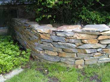 Trockensteinmauern garten und ffentlicher bereich - Billardtisch aus beton oeffentlichen bereich ...